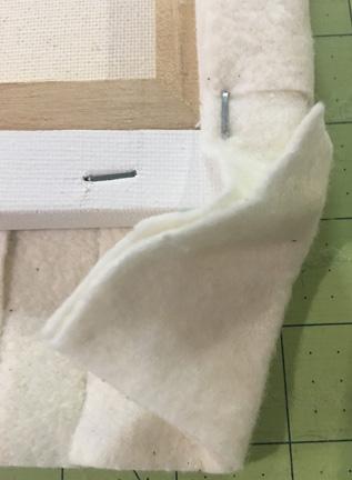Weave corner staple