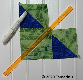 How to Make flying geese units, a tutorial featured by top US quilting blog and shop, Tamarinis: Flying Geese NoWaste Wing Clipper Marking 2 copy